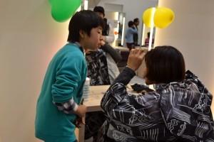 《子どもたちによるヘアカット》2月26日